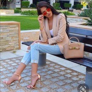 Gold high heels 🏅🏆